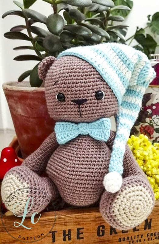 Crochet Teddy Bear Bubsy Amigurumi Pattern sitting