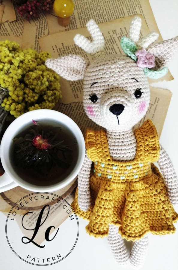 Crochet Deer Amigurumi free pattern with flower