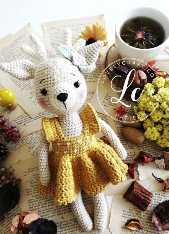 Short Dress amigurumi deer free crochet pattern