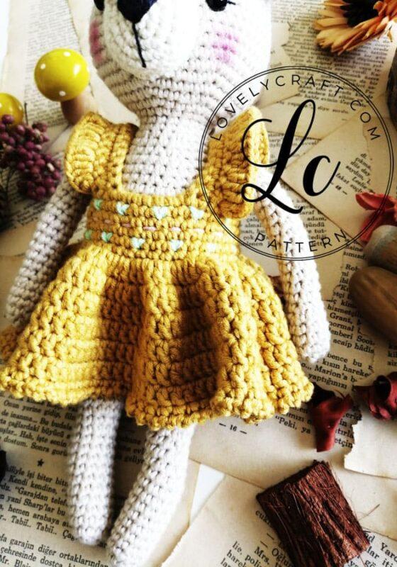 Christmas deer dress amigurumi free crochet pattern