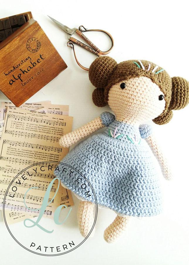 Maribel Doll (4)