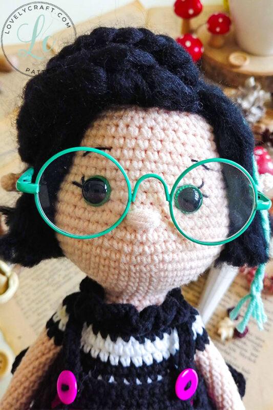 Crove Girl Doll amigurumi face