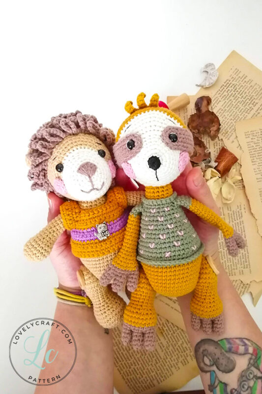 Lion benroy amigurumi toy with slooth