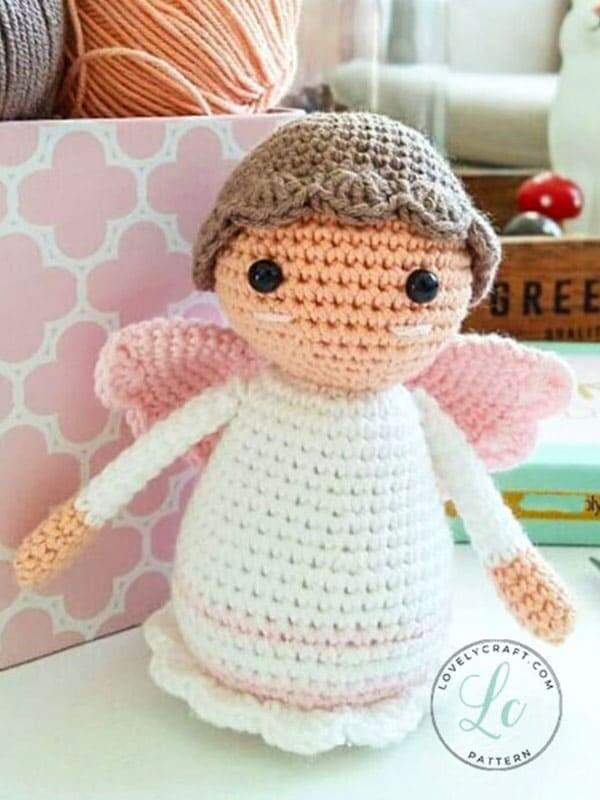 Pequeño ángel amigurumi muñeca patrón de ganchillo gratis