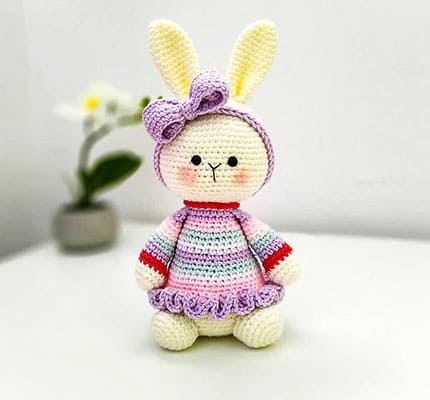 Cute Bunny With Bow Amigurumi Crochet Pattern