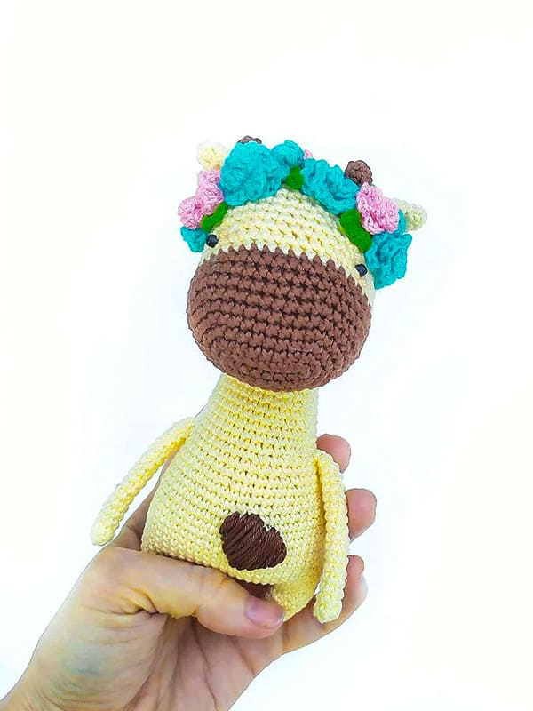 Nice Little Giraffe Amigurumi Crochet Pattern
