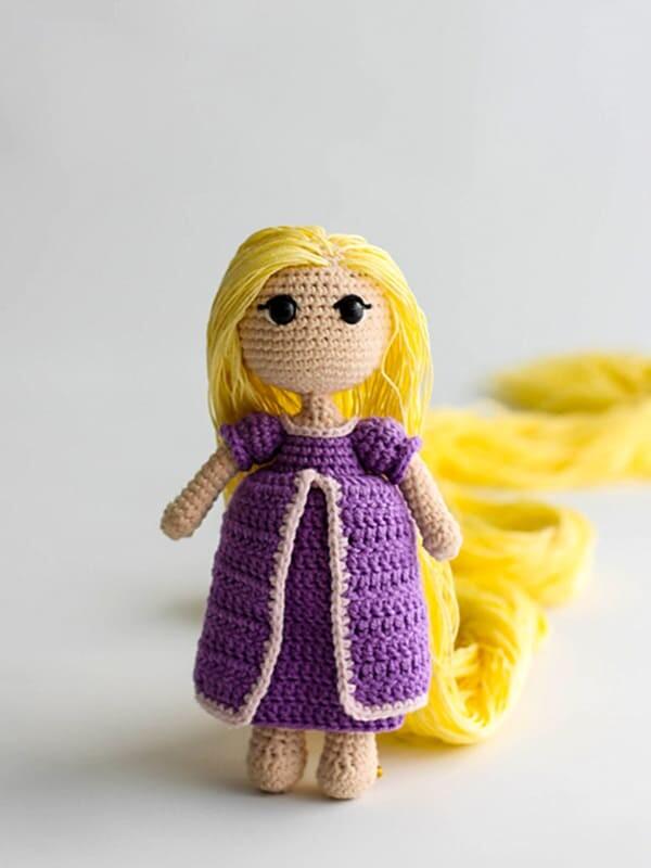 rapunzel, doll, amigurumi, crochet, baby, cute, blonde, skirt, dress, top, top skirt, summer, long hair, hair, rapunzel hair, legs, arms