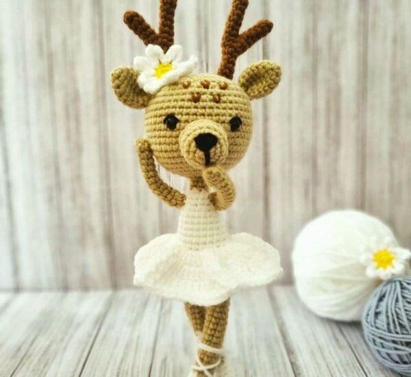 Crochet Daisy Deer Amigurumi Free Pattern (2)