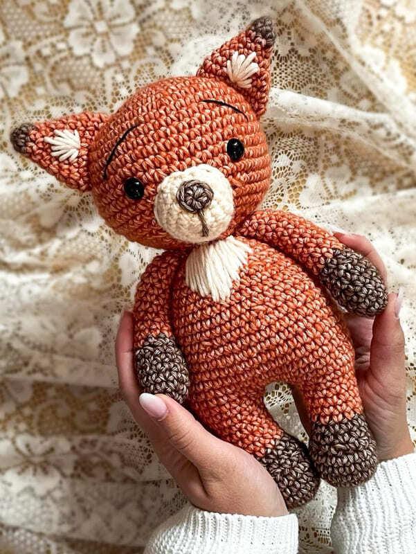 Crochet Fiona the Fox Amigurumi Free Pattern (1)