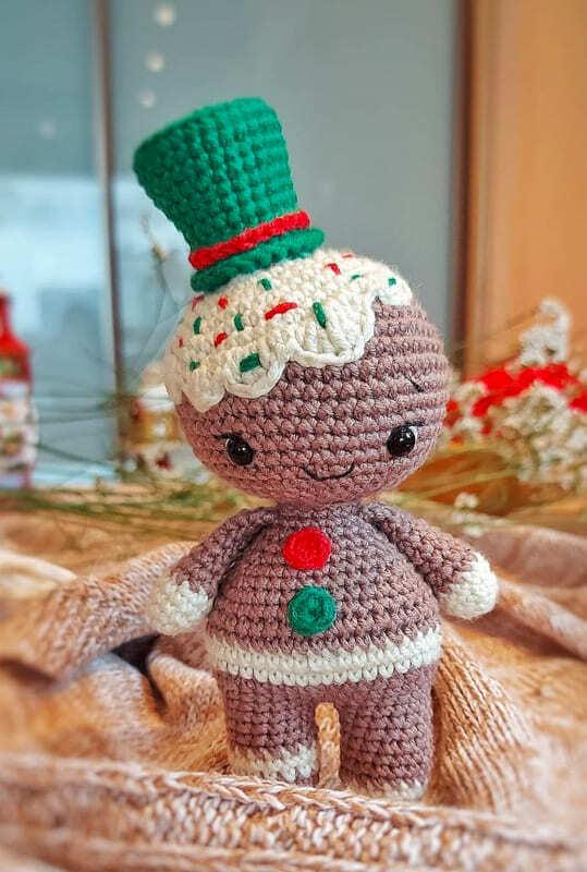 Crochet Gingerbread Amigurumi Free Pattern (1)
