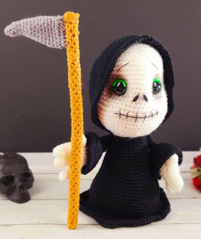 Crochet Grim Reaper Amigurumi Free Pattern (2)