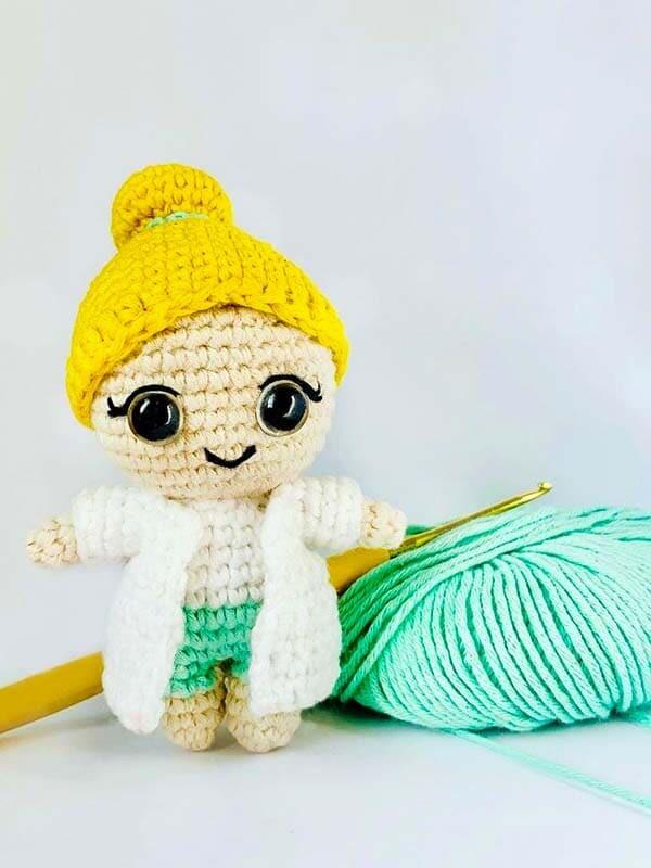 Dr. Rose Crochet Amigurumi Free Pattern (1)