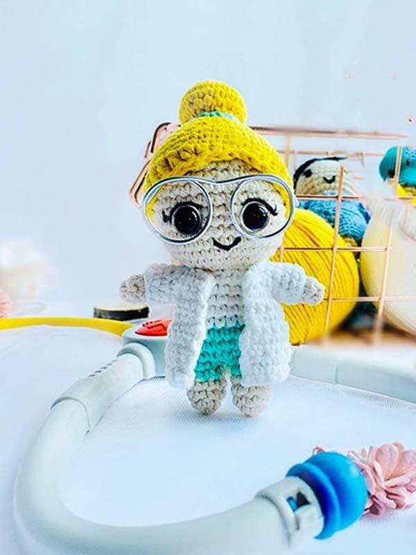Dr. Rose Crochet Amigurumi Free Pattern (2)