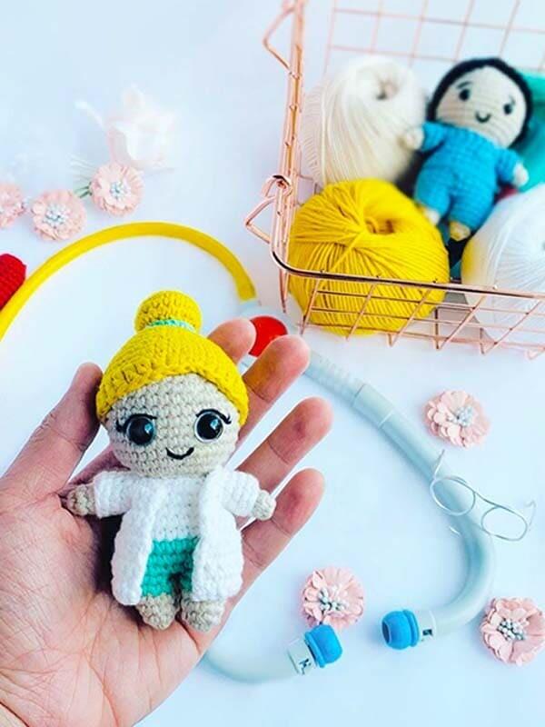 Dr. Rose Crochet Amigurumi Free Pattern (3)