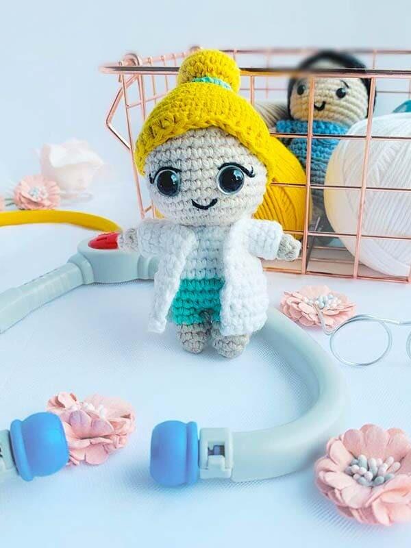 Dr. Rose Crochet Amigurumi Free Pattern (4)