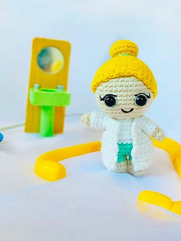 Dr. Rose Crochet Amigurumi Free Pattern (5)
