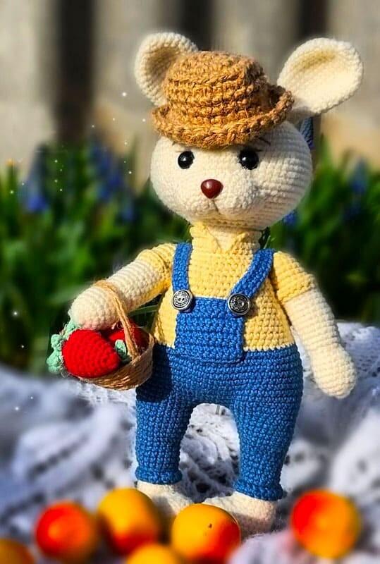 Farmer Crochet Bunny Amigurumi Free Pattern (2)