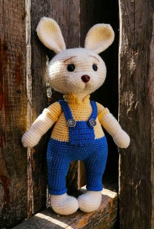Farmer Crochet Bunny Amigurumi Free Pattern (4)