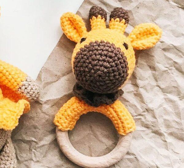 Giraffe Rattle Amigurumi Crochet Pattern (1)