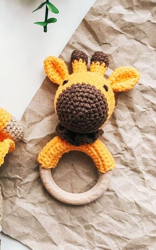 Giraffe Rattle Amigurumi Crochet Pattern (2)