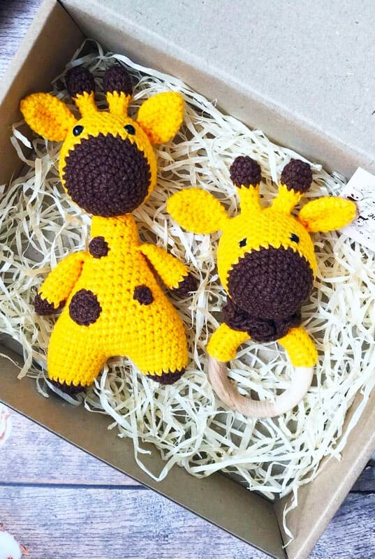 Giraffe Rattle Amigurumi Crochet Pattern (3)
