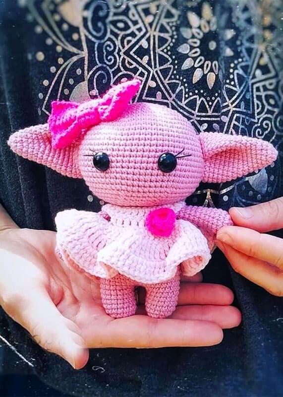 Girl Baby Yoda Amigurumi Crochet Pattern (3)