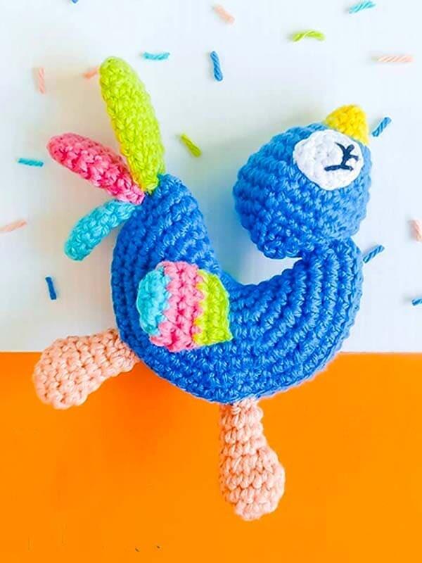 Pájaro Colorido Amigurumi Patrón Gratis