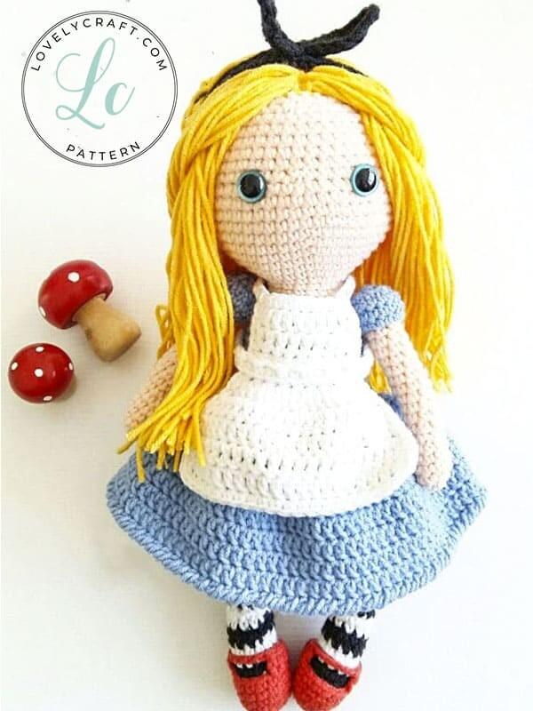 Crochet Alice in Wonderland Amigurumi Free Pattern (1)