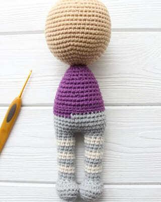 Crochet Halloween Witch Amigurumi Free Pattern full body