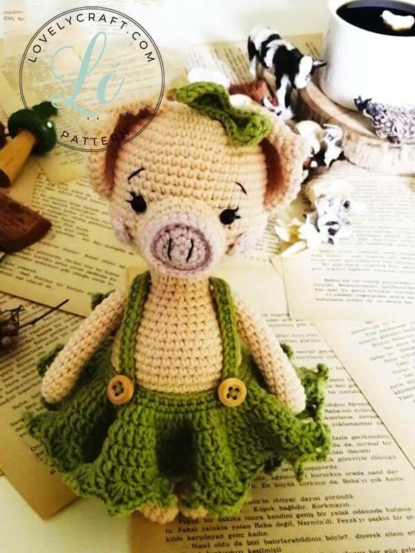 Crochet Pig Pixie Amigurumi Free Pattern (1)