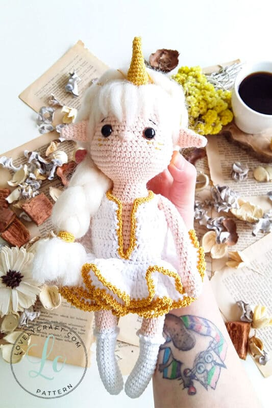 Crochet Viking Girl Amigurumi Doll Free Pattern (5)