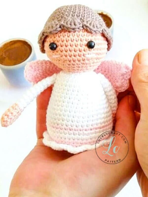 Pequeño ángel amigurumi muñeca patrón de ganchillo gratis (1)