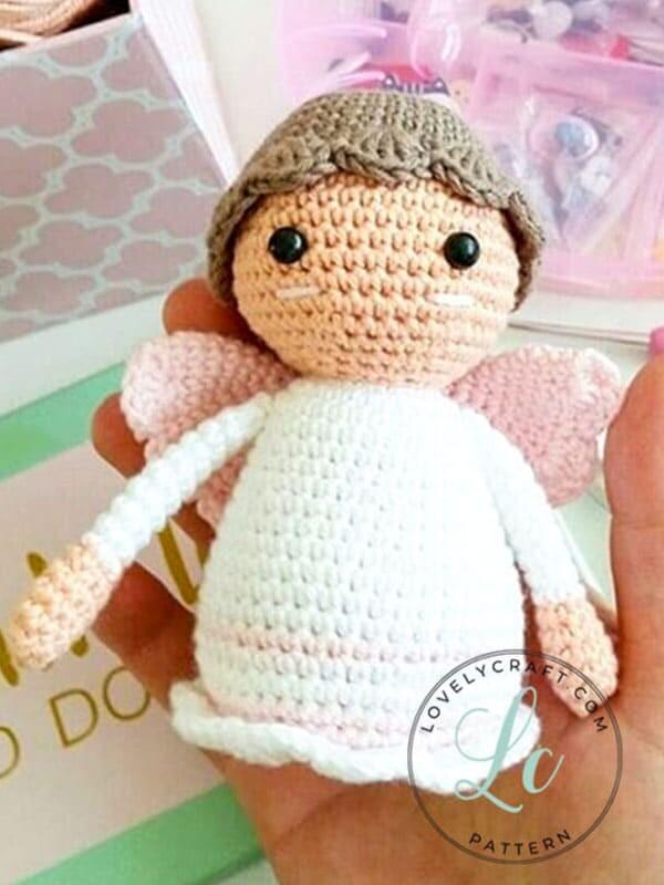 Pequeño ángel amigurumi muñeca patrón de ganchillo gratis (2)